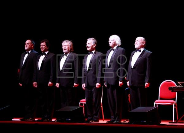 Les luthiers entusiasman a madrid con su antol gica for Luthier madrid
