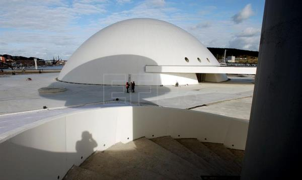 A file photo dated Dec. 15, 2010 shows the Oscar Niemeyer International Cultural Center in Aviles, Spain. EFE/J.L.Cereijido