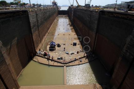 Test of new Panama Canal locks where cracks were detected deemed a success