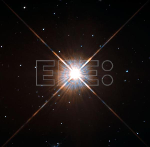Astronomers in Chile observing nearby star hunting for ...