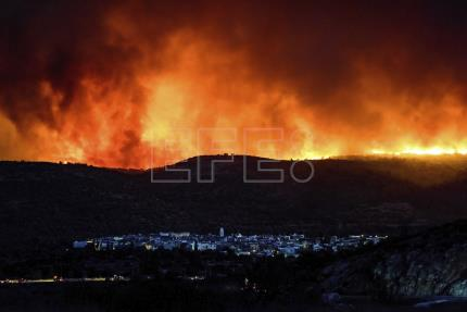 Wildfires rage amid summer heat in north Mediterranean: Greece, Spain, Turkey