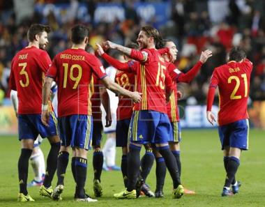 Spain crush Israel 4-1 in World Cup qualifier
