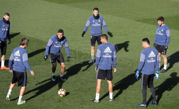 L To R Real Madrid Players Karim Benzema Fabio Coentrao Casemiro
