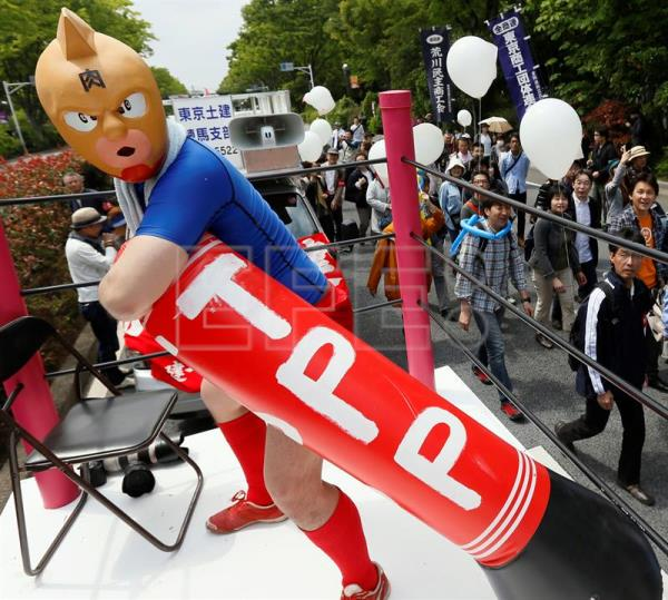 Tax Day Protests Demanding Trump Release Tax Records: Japan Says TPP Meaningless Without The US