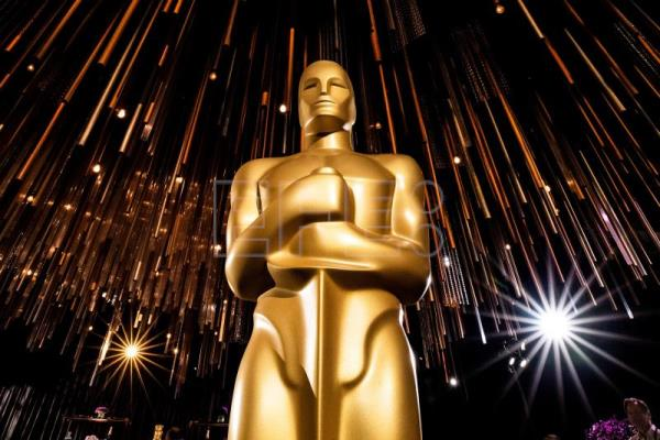 US critics push Nomadland as Oscar favorite