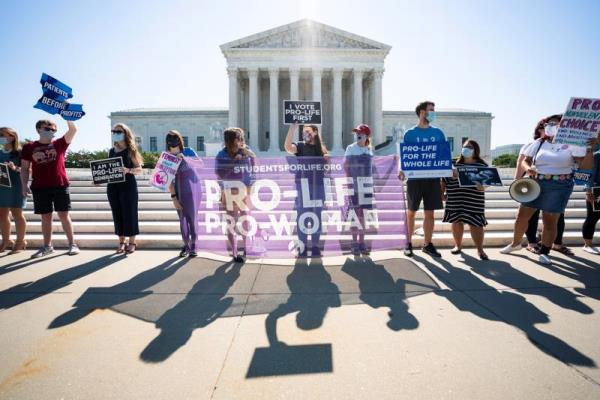 Supreme Court overturns Louisiana law restricting abortion