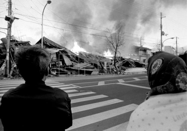 Japan marks 25 years since deadly Kobe earthquake