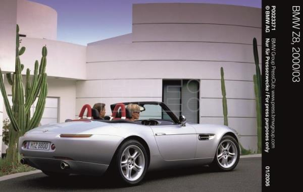 El roadster BMW Z8 cumple 20 años, en los que ha sido coche de James Bond y safety car en Moto GP