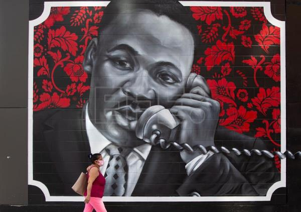 Dr. Martin Luther King Jr and Coretta Scott King mural