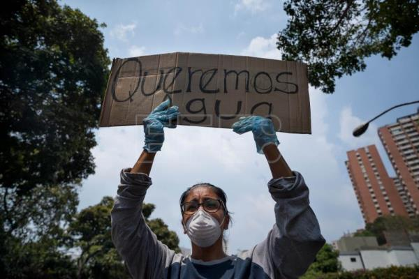 Life without running water: Venezuela's new normal