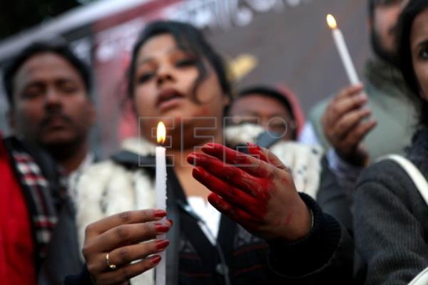 4 sentenced to death in India over gang rape | Main