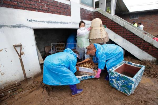 Death toll due to South Korea rains rises to 21