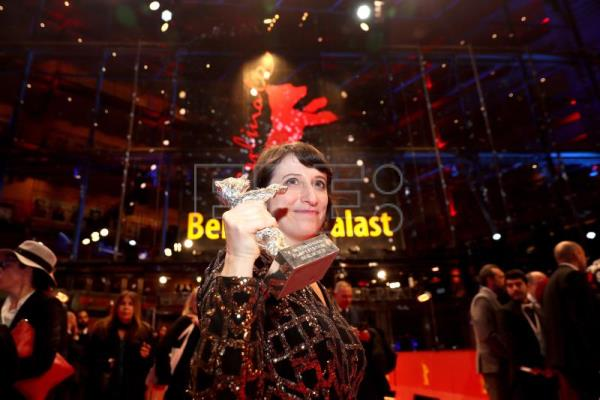 Iranian film takes top honors at Berlinale