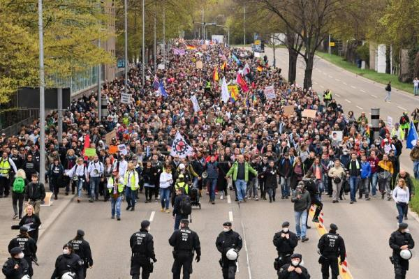 Thousands across Germany join lockdown protests   World   English edition   Agencia EFE