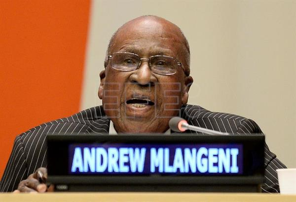 Andrew Mlangeni has died aged 95