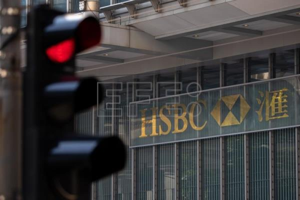 HSBC's reported profit fell by 34.7 percent in 2020