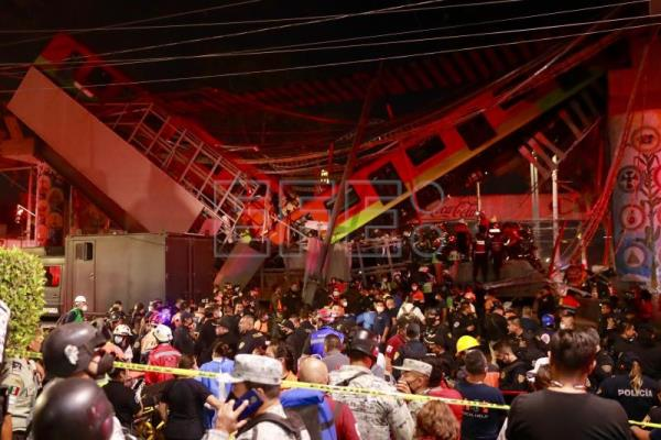 At least 20 killed as Mexico City metro overpass collapses