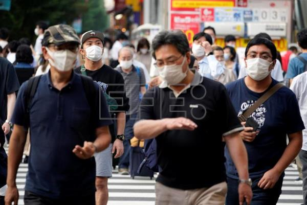 Japan reports record new coronavirus infections