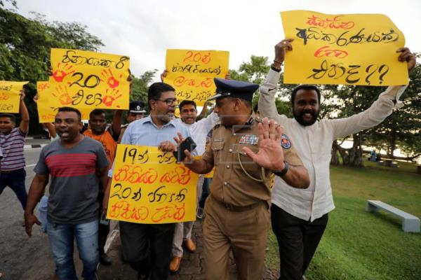 Protests held in Sri Lanka against pro-president constitutional amendment