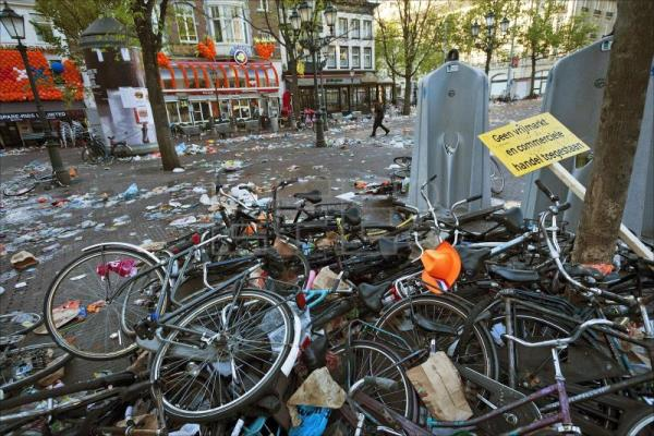 Discarded bicycles in Amsterdam get second chance to ride