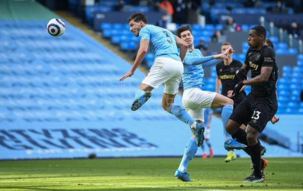 Manchester City earn 20th win in row against West Ham