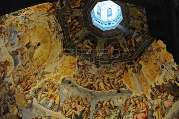 Brunelleschi's dome in Florence: 600 years of history in the heavens