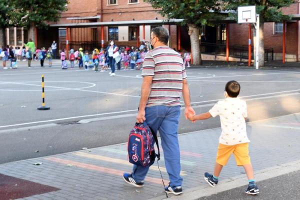 Curriculum delayed by Covid hygiene lessons as preschools reopen in Spain