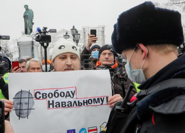 Hundreds of opposition supporters arrested across Russia
