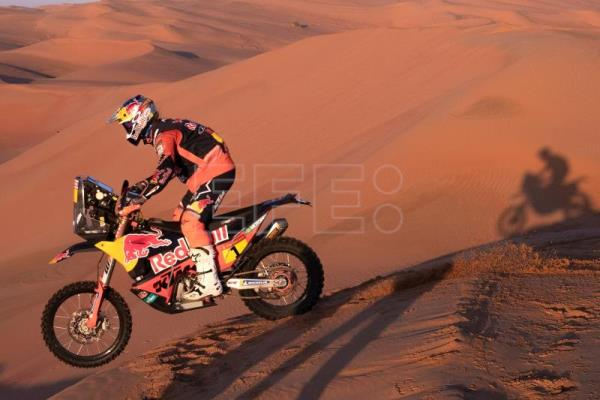 Peterhansel, Quintanilla clinch 7th stage in Dakar Rally