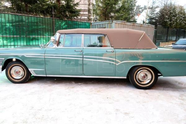 Gagarin's convertible to be auctioned in Moscow
