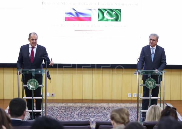 Pakistan seeks stronger ties with Russia