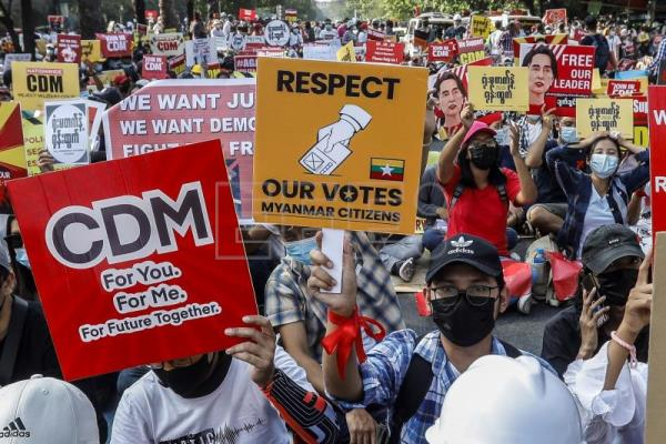 Myanmar police file second charge against deposed leader Suu Kyi | Main |  English edition | Agencia EFE