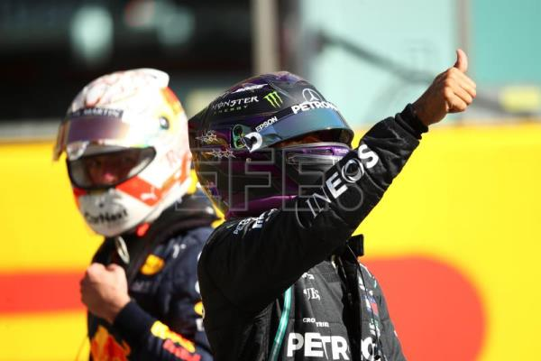 Hamilton clinches pole in Mugello
