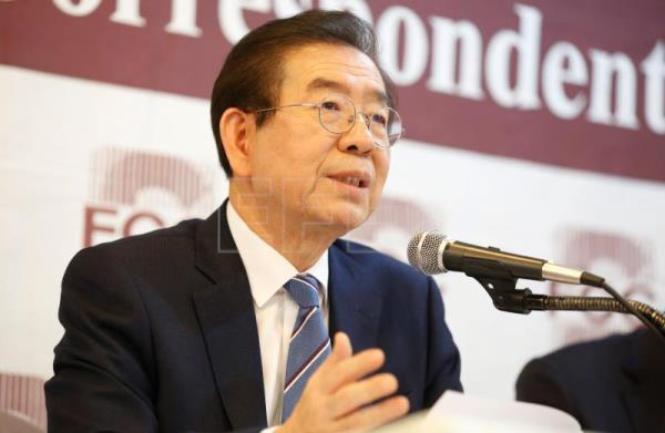 Seoul mayor: Swiftness, transparency, citizen response key in Covid-19 crisis