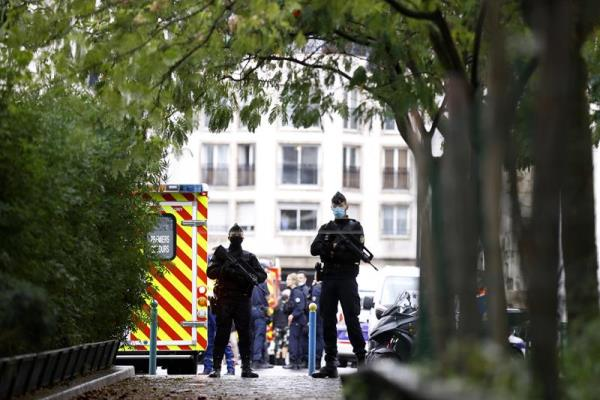 Knife attack near former Charlie Hebdo offices