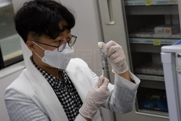South Korea starts its vaccination campaign against COVID-19
