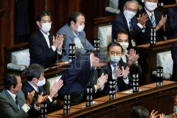 Suga elected Japan's new prime minister as Abe steps down