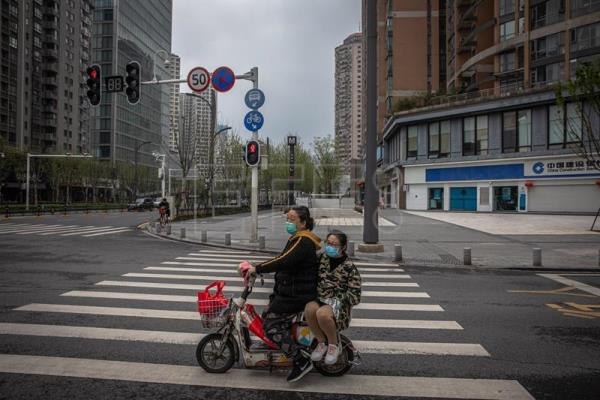 Daily life in Wuhan after lockdown partly lifted