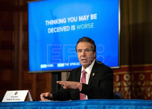 NY hospitals show signs of being overwhelmed, Cuomo says fed help not enough