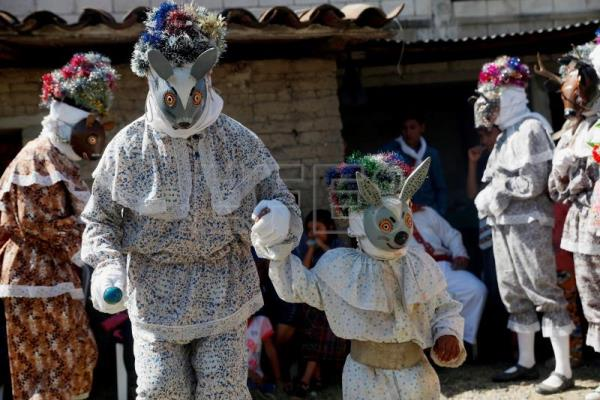 Guatemala's age-old indigenous theater helps youth break language barriers