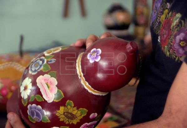 Ancient lacquering technique lives on in hands of Mexican women