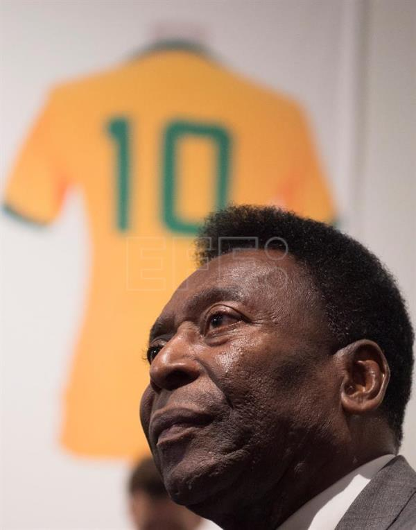 Pele celebrates his 80th birthday