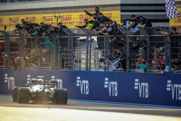 Bottas wins in Russia, forcing Hamilton to wait to match Schumacher record