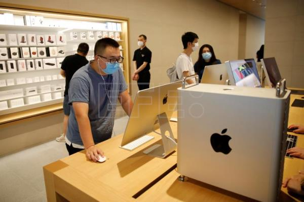 Apple opens largest store in Asia-Pacific in Beijing amid US-China trade war