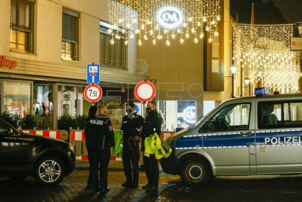5 Killed as vehicle plows into crowd in Germany
