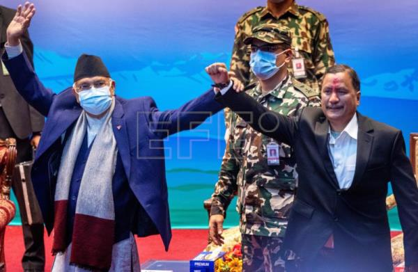Nepal signs peace pact with Maoist rebel group