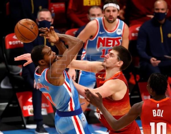 122-116. Durant gana duelo a Jokic y Nets, sin Irving, a Nuggets
