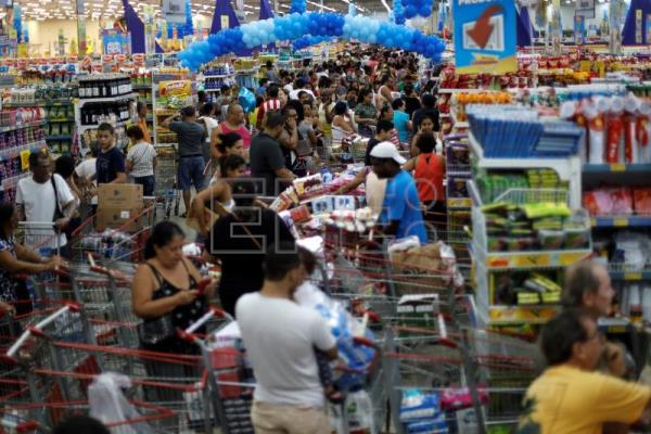 Bargain-hungry Brazilians pack supermarkets for annual sale