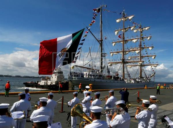ARM Cuauhtemoc sailing ship (R) at the Port of Manila, Philippines, Aug. 4, 2017. EPA/FRANCIS R. MALASIG