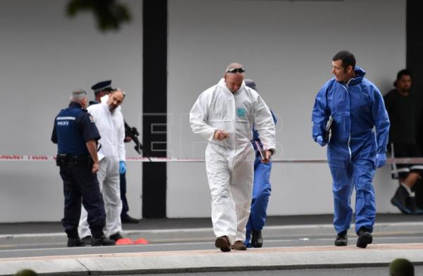 Forensic services conduct an investigation near the Al Noor Masjid on Deans Rd in Christchurch, New Zealand, Mar. 16, 2019. EPA-EFE/MICK TSIKAS AUSTRALIA AND NEW ZEALAND OUT